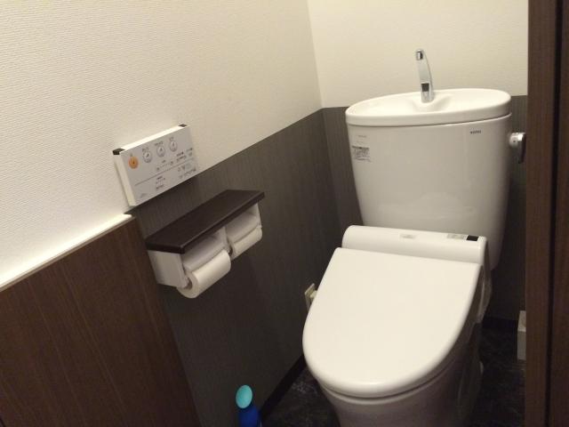 タンク型トイレ